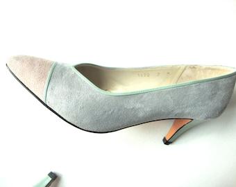 pastel colorblock heels / suede / fabulous! / 7 / pink / grey / green