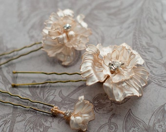 Wedding Hair Flowers, Set of hair pins in gold and ivory pearl, bridal hair jewelry with rhinestones and pearls, poppy flower bobby pins