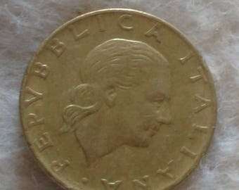 220 Lire Coin Italy 1979
