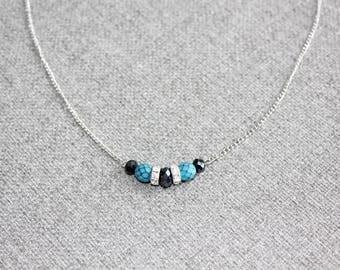 collier pour femme, ajustable, court, emeraude, vert, bleu marine, chic, cristal, delicat, petit, acier inoxydable, necklace, navy blue