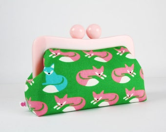 Resin frame clutch bag with removable chain strap - Nordic foxes on green - Awesome purse / Japanese fabric / Turquoise baby pink
