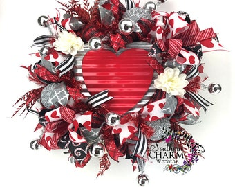 Deco Mesh Valentine Wreath, Valentine's Day Wreath, Valentines Day Decor, Heart wreath, Red White Wreath, Deco Mesh Wreath, Red Silver Black