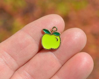 BULK 20  Green Apple Charms GC5146