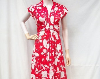 ON SALE 70s Red Floral Maxi Dress size Small Extra Small Rose Print Dress