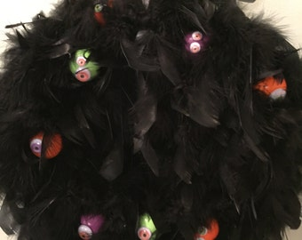 fABULOUS~bLACK~FEATHER~HALLOWEEN~WREATH~wITH~hAND~pAINTED~pINGPONG~bALLS~wITH~gOOGLY~eYES~