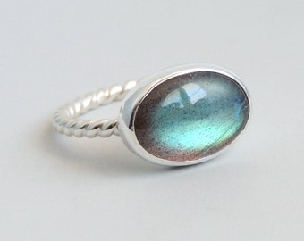 Labradorite Ring Sterling Silver Bezel Set Oval Blue Green Gemstone Ring Size 8