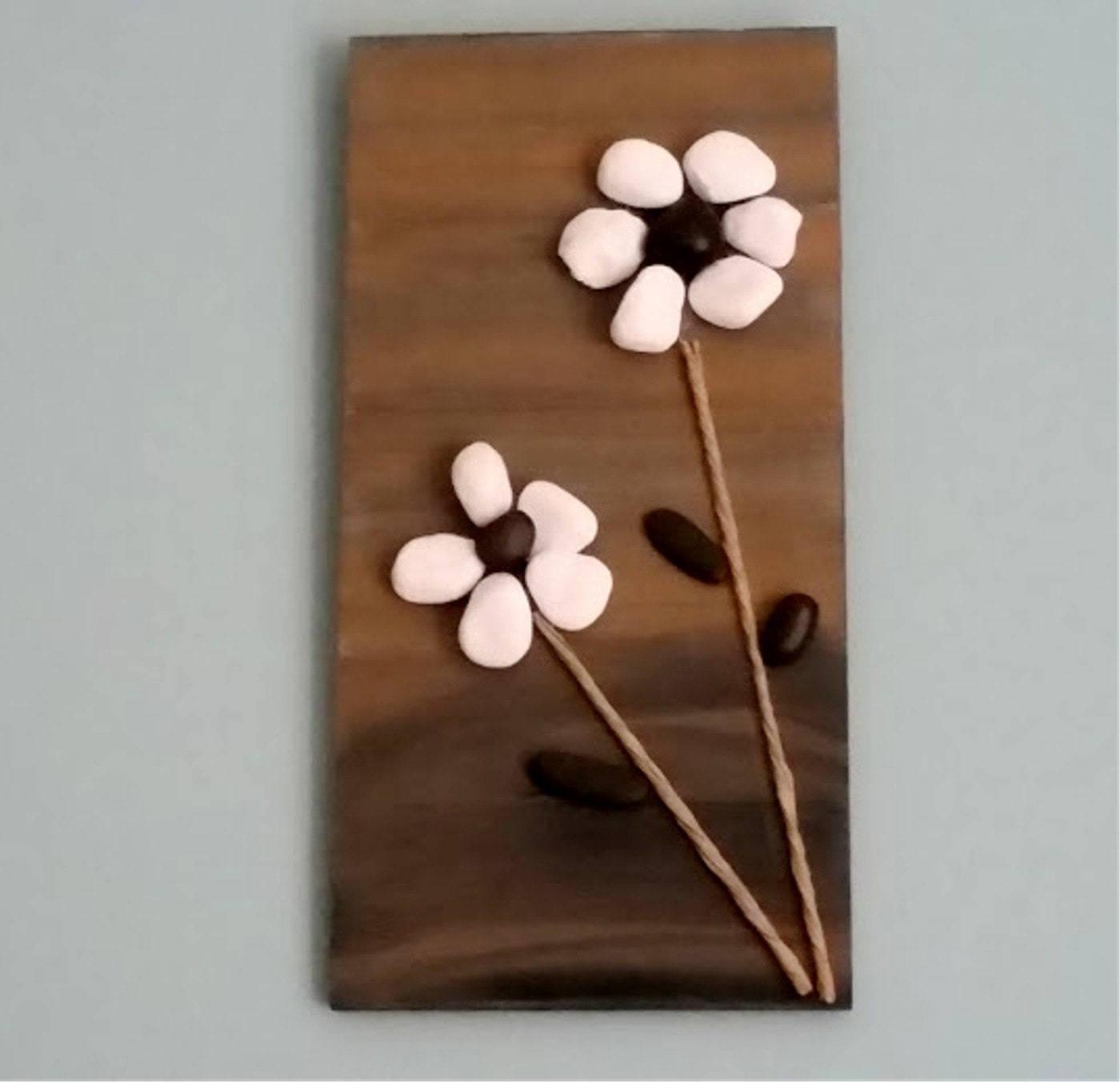 Rock art home decor beach pebble flowers stone wall hanging for Rock home decor