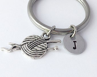 Knitting charm keychain. Personalized initial charm keychain. Knitting gift. Love knitting keychain. Friendship Keychain. Friendship gift.