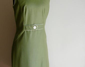 Vintage Sage Green Shift Dress