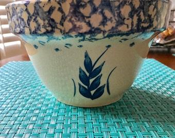 "Robinson Ransbottom Pottery RRP Roseville Ohio Blue Wheat Sponge Ware 7"" Bowl"