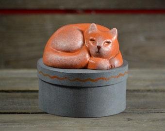 Round wooden treasury keepsake treats box - handpainted - Sleeping cat figurine - stoneware - ginger orange