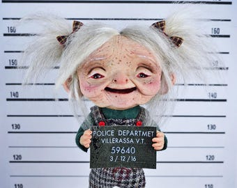 EXTRA SALE!!- Yaya Pandra - Suspicious grandmother, arrested, art doll, ooak pure sculpt, art toy, Smiling grandmother, mugshot, granny doll