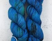 Blue Eyed Floozy - (squish sock) - hand dyed yarn - sock weight - fingering- merino wool - superwash - blue - black - speckled
