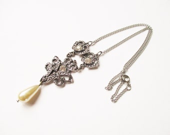 Pearl marcasite necklace: Pretty articulated marcasite, champagne costume pearl, rhinestone and silver plated statement pendant necklace