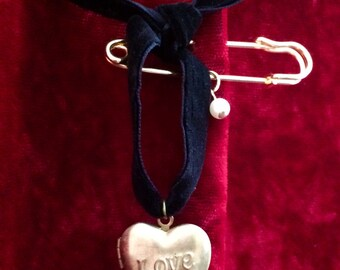 LOVE LOCKET & Pearl Charm Customized Solid Perfume Scent Pendant Pin