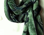 Green Intertwining Spiral...