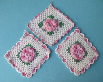3 Potholders Pot Holders 1940s Hand Crocheted Pink and White Roses Flowers