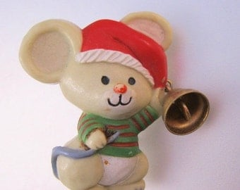 SALE Ends 1/17 Vintage Hallmark Christmas Mouse with Bell Brooch Pin Novelty Jewelry Jewellery