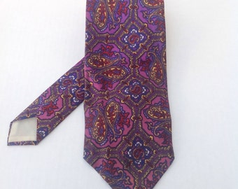 Vintage tie. Purple paisley tie. Menswear.  Men's patterned tie. Made in England.