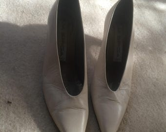 vintage 90s white cream leather  heels sz 5