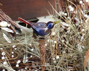 Garden scupture, plant stake, garden art, bird yard art, blown glass bird