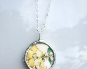 Vintage Ceramic Folklore Yellow Rose Necklace