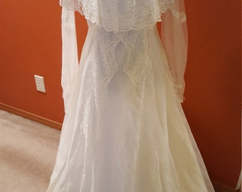 Fabulous Bridal Allure By Alfred Angelo Lace Wedding Dress with 7 Tier Train!