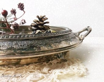 Antique Silver Plate Footed Serving Dish. Victorian Repousse Art Nouveau. Derby SP Co. International S.Co. WM Mounts. Crystal & Silver
