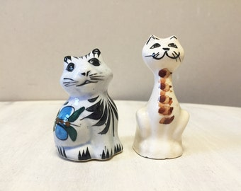 Pottery cats, cat figurines, ceramic cat, vintage figurine, vintage cat, vintage pottery, cat sculpture, retro cat ornament, cat lover gift