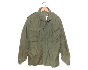 Vintage U.S. Military Cold Weather Field Jacket OG-107 Army Green Made in USA - Large