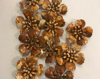 Vintage patina rusted metal flowers, flower parts (10 pieces),metal daisy,flowers for jewelry,flower findings,metal findings,