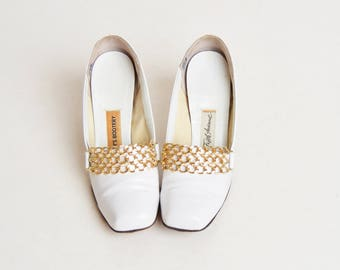 Vintage 60s MOD White Patent Chain Loafers / 1960s High Heel Oxfords / Beth's Bootery 5.5
