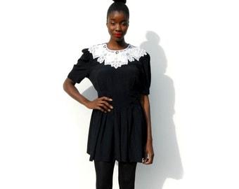 Black minidress with lace neckline 1990s 90s VINTAGE