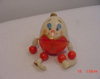 Vintage Humpty Dumpty Plastic Baby Crib Toy   16 - 598