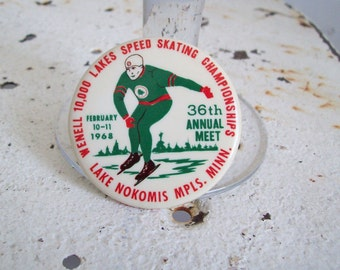 Vintage pin back button Wenell 10,000 Lakes Speed Skating Championships Mpls Minn 1968 free shipping to USA