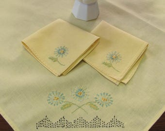 Vintage Hand Embroidered Yellow Square Tablecloth with 2 Napkins Dining Kitchen