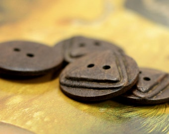 Wooden Buttons - Antiqued Triangle and Round Cascading Brown Wood Buttons, 0.91 inch (10 in a set)