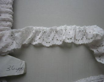 Lace Off White 1 inch Wide 5 yds 2031