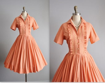 50's Shirtwaist Dress // Vintage 1950's Jerry Gilden Peach Cotton Full Pleated Garden Party Shirtwaist Dress XS