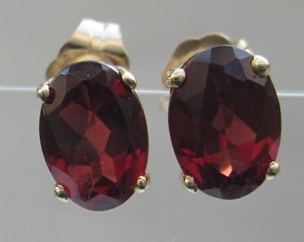 Estate Garnet and 14k Solid Yellow Gold Stud Earrings // 2 Carats Garnets //