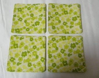 Set Of 4 Fabric Coasters/Pale Green flower