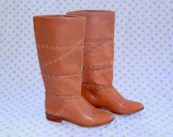 Sweet Golden Honey Brown Leather Boots with Braiding - Vintage 1980s - Mid Calf Boot - Sturdy Wooden Heel - Very Good Condition