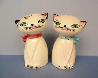 Vintage Holt Howard Cozy Kitten Style Salt and Pepper Shakers Knock Offs Copy Cats Maison International 1960s Ceramic Siamese Cat Decor