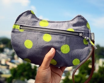 zippy cat - multi-functional pouch - Neon Dots