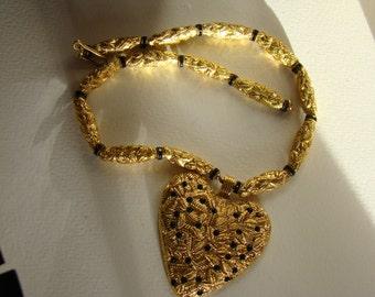 Poggi Paris heart necklace