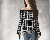 Black white knit top/women off shoulder /blouson long sleeve