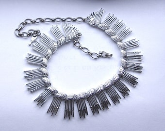 Vintage Sarah Coventry Bib Silver Link Fringed Necklace