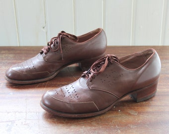 1930s-1940s Ladies Brown Leather Walking Shoes / Rare Size just about a EU38