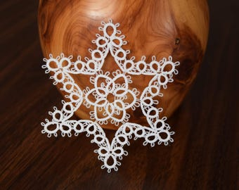 tatted ornament//large//white//4 inches