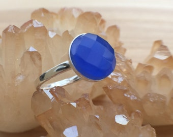Sterling Silver Blue Quartz Ring, Bright Blue Stone Ring, Blue Chalcedony Ring, Modern Sterling Silver Ring, Sterling Silver Stacking Ring,